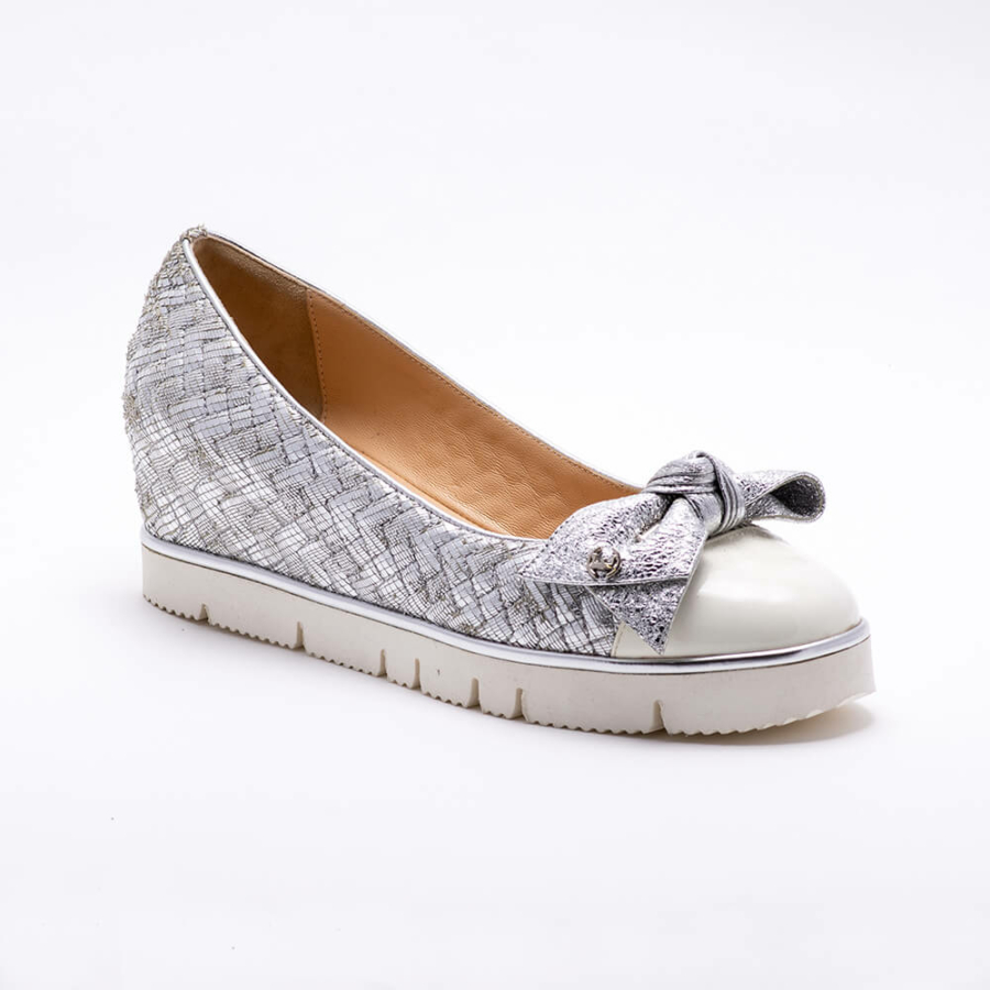 ESSERE matt ezüst-fehér bőr cipő
