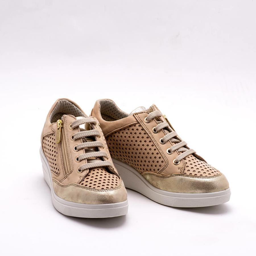 IGI&CO bézs bőr emelttalpú női cipő